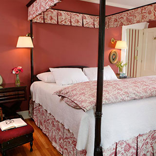 The Joslin Room four post bed