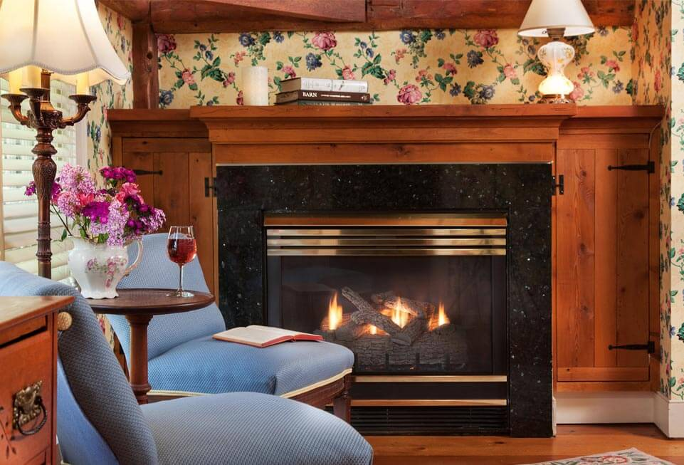 Romantic Getaways in Vermont - Fireplace