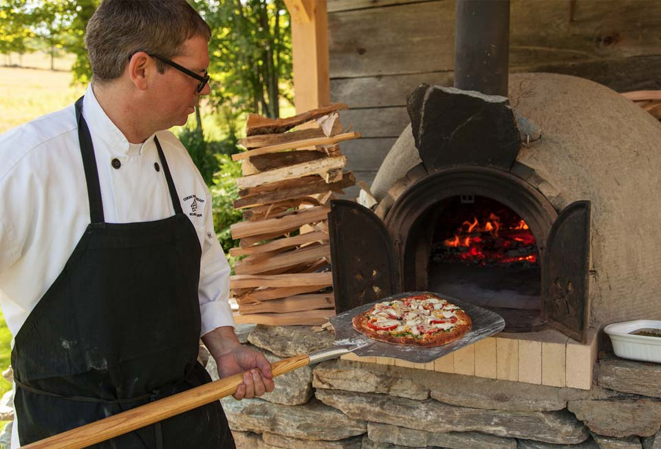 The Inn at Round Barn Farm - pizza!